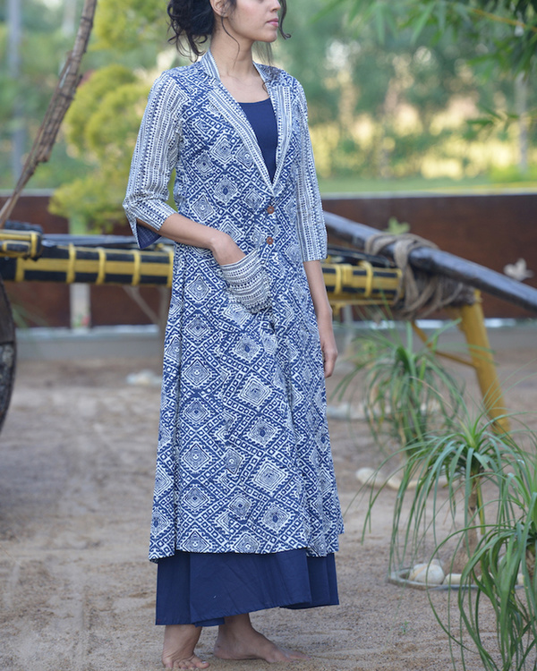 Blue maxi with printed jacket 1