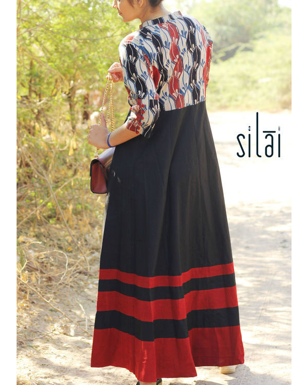 Black graded border maxi 2