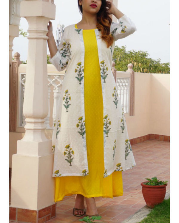 Set of yellow maxi with block printed jacket 1