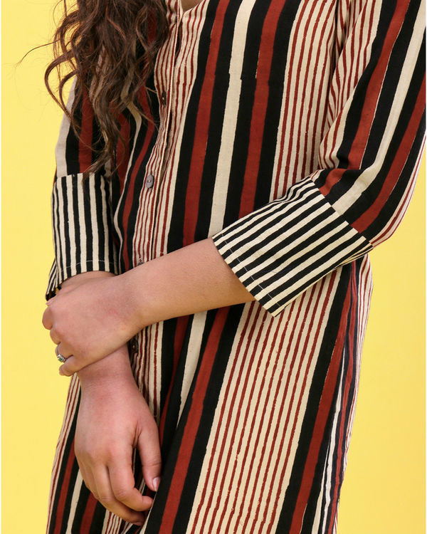 Bold striped tunic 2
