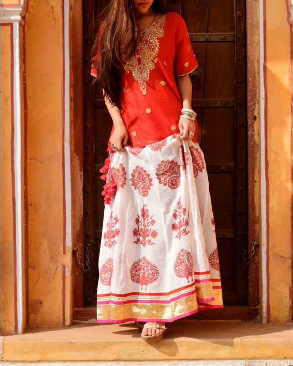 Red and white twin set 1