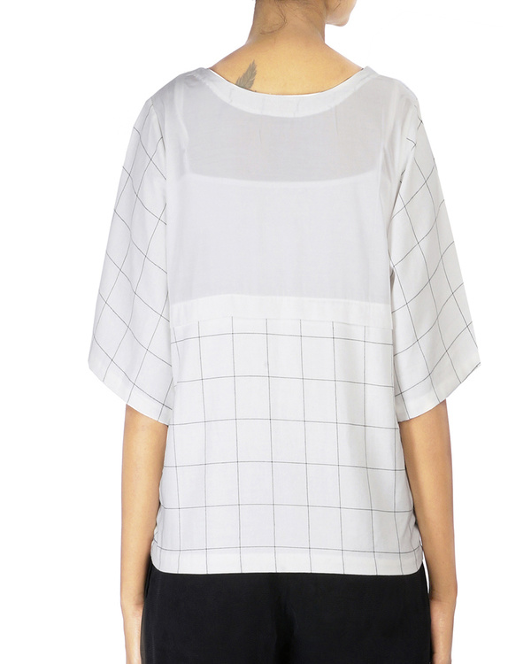 Checkered tshirt top with quilted center square 2