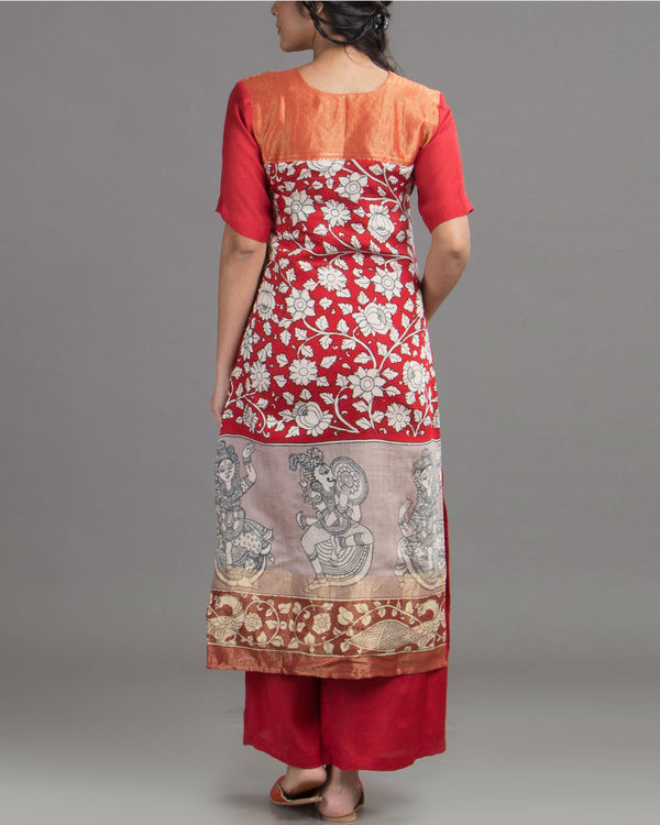 Mural print red tunic 1