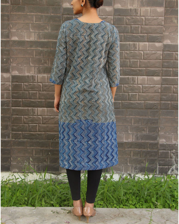 Grey and blue zig zag tunic 2