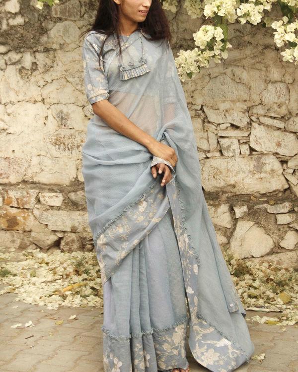 Urban love sari 1