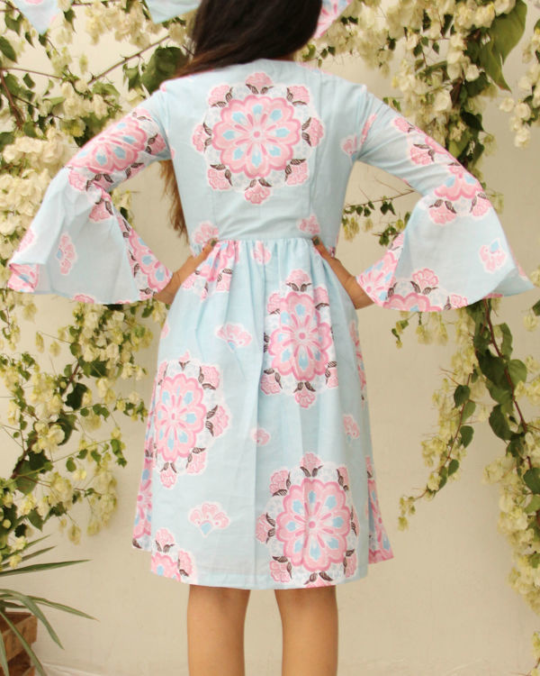 Floral umbrella sleeve dress 2