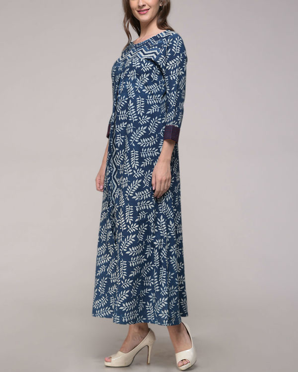 Leaf print pleated dress 1