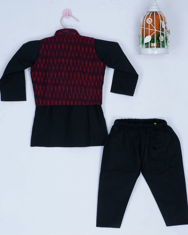 Maroon and black set 1