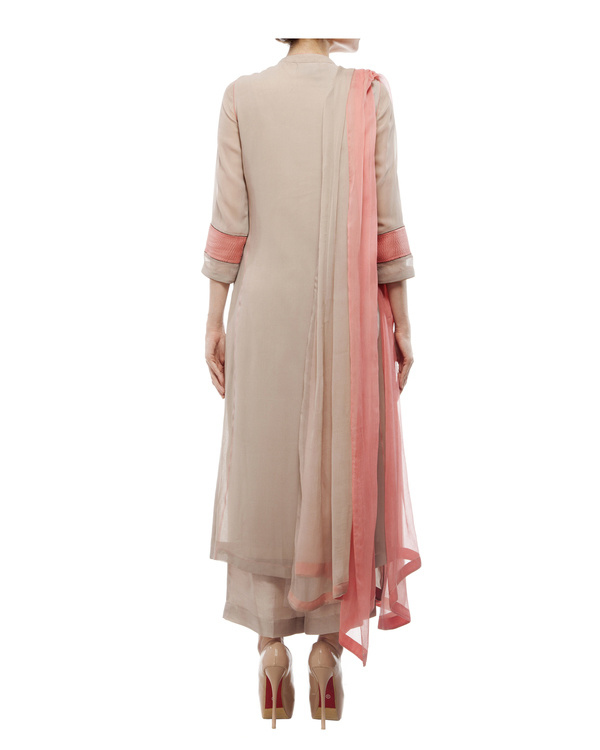 Kurta with front embroidered placket, comes with palazzos chiffon dupatta 2