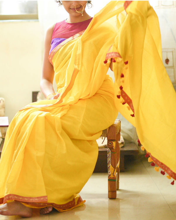 Sunrise yellow sari with paisley border 1