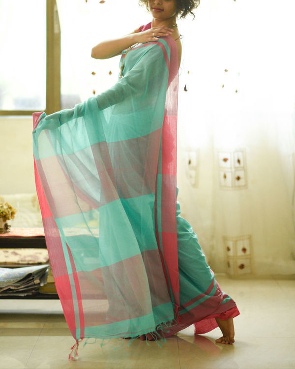 Turquoise and pink sari 1