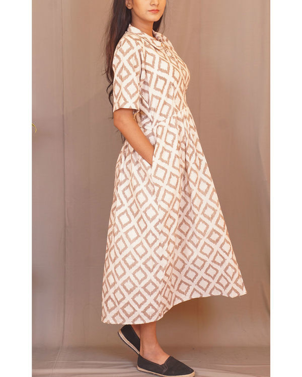 Beige rhombus print dress 1
