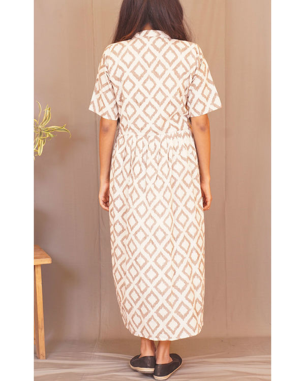 Beige rhombus print dress 2