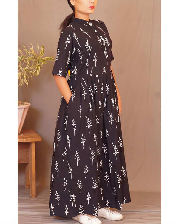 Black floral gathered maxi 1