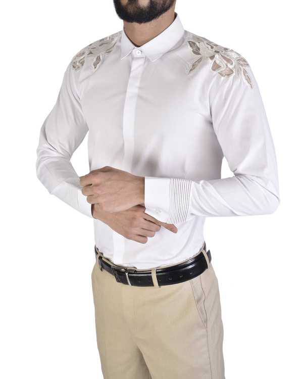 White shirt with applique floral shoulder 3