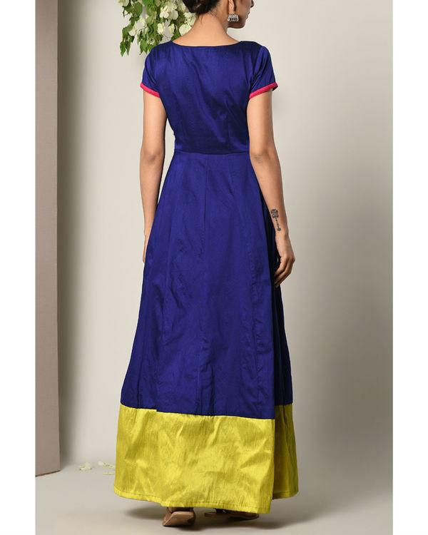 Blue panelled border dress 3