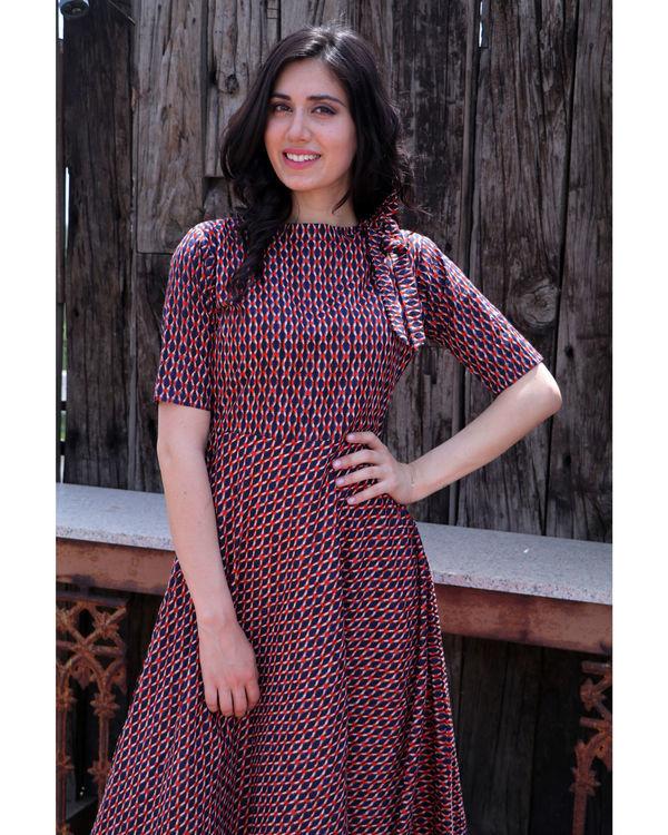 Checkered shoulder tie up dress 1