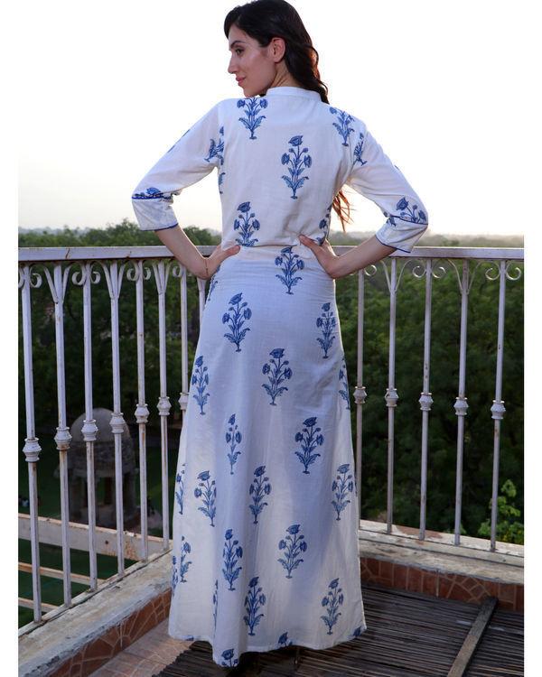 Floral motif front slit cape 2
