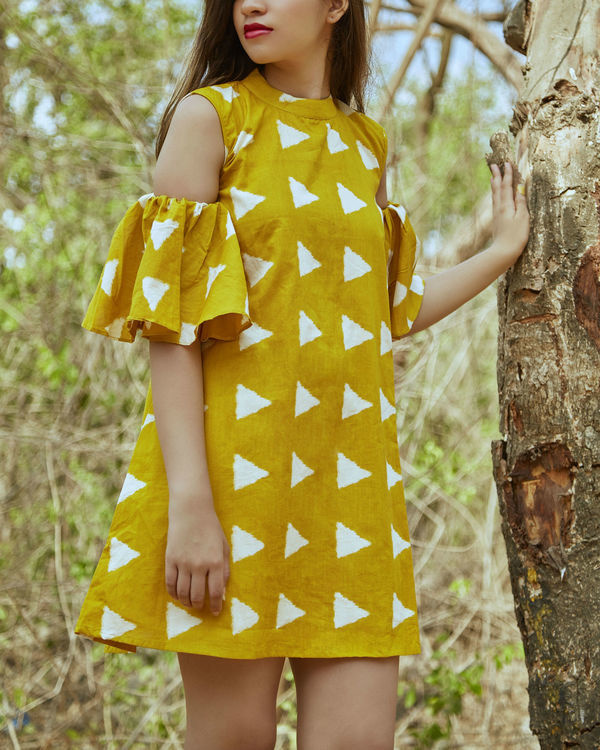 Yellow block cold shoulder dress 2