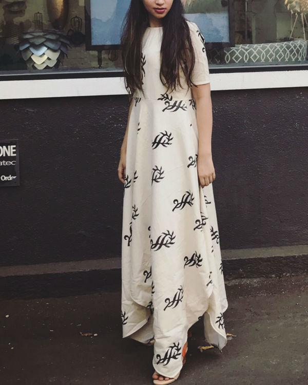 Art dress 1