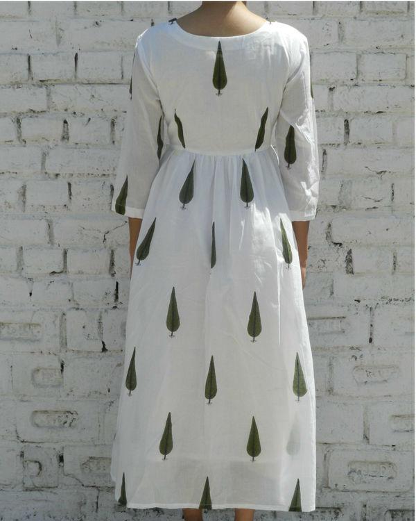 Green leaf printed dress 1