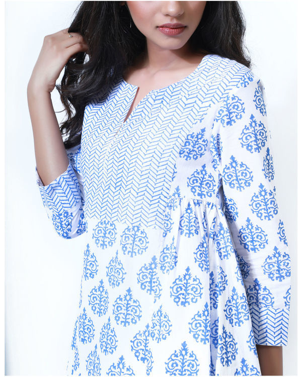 Summer blue and white tunic 1