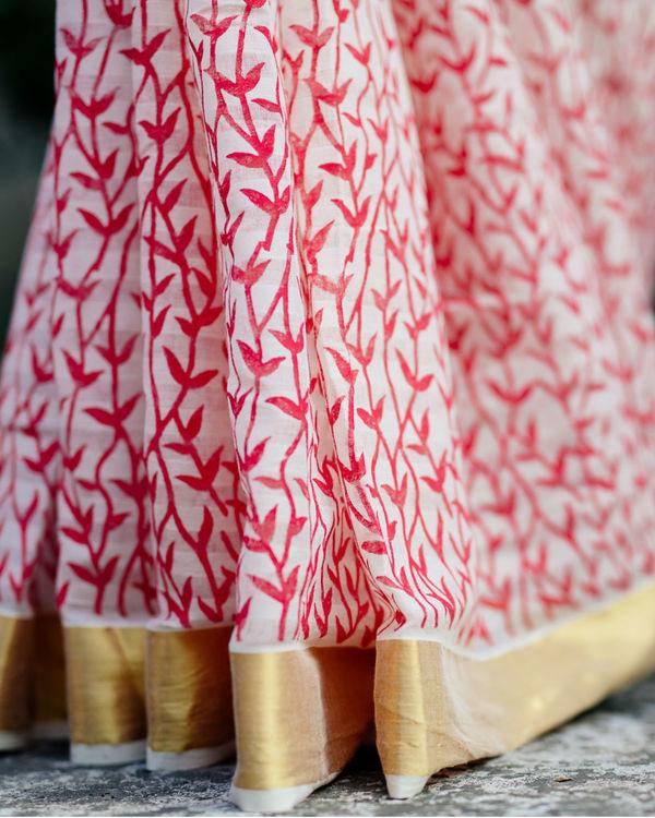 Red sorbet white sari with gold border 2