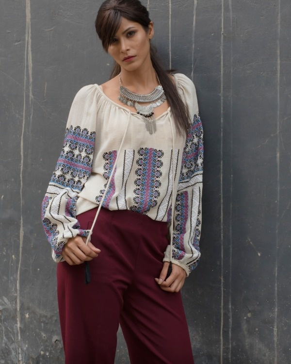 Heritage boho front knot top 1