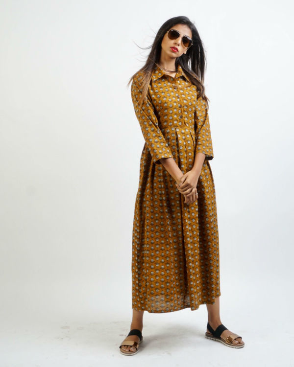 Mustard box pleated maxi 3
