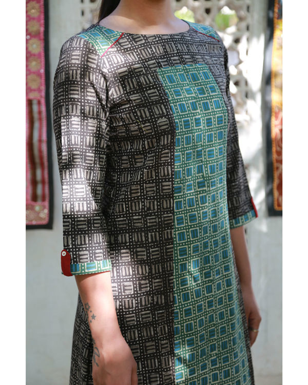 Black & bottle green a-line paneled tunic 2