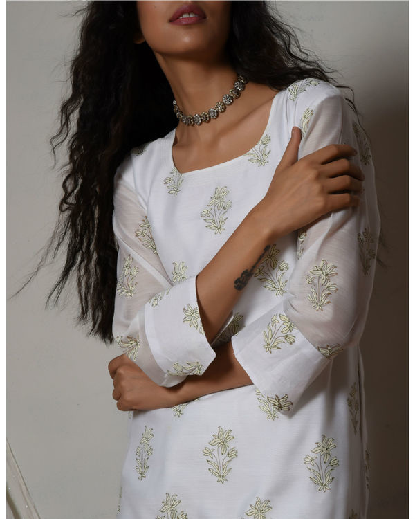 Floral white kurta with mint green stripe silk farshi pant 2