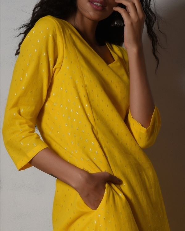 Yellow kurta dress with red chiffon dupatta 2