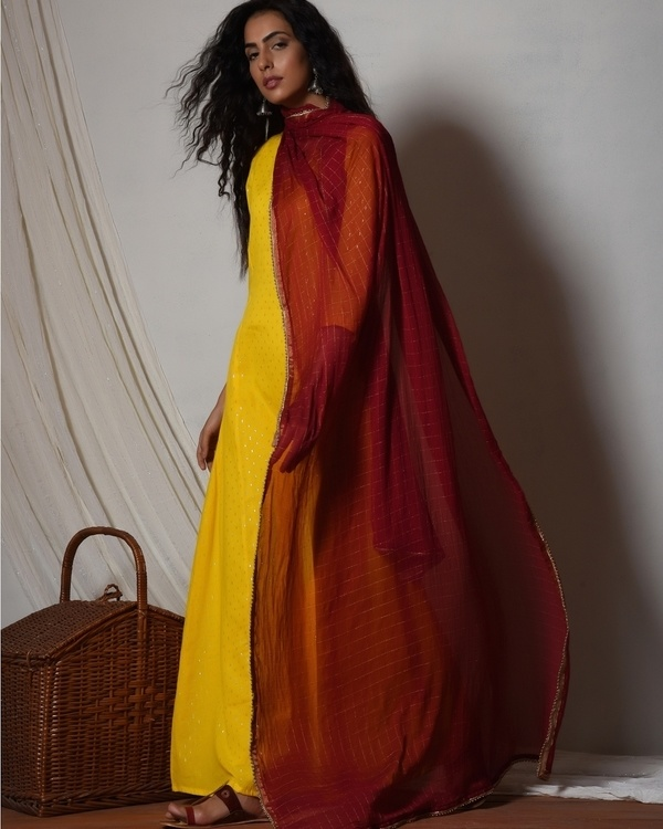 Yellow kurta dress with red chiffon dupatta 3