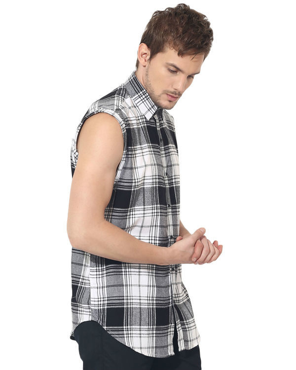 Black & white checks sleeveless casual shirt 3