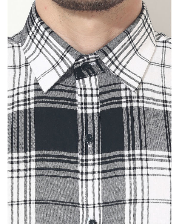 Black & white checks sleeveless casual shirt 5