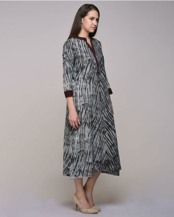 Black clamp dyed embroidered dress with belt 3