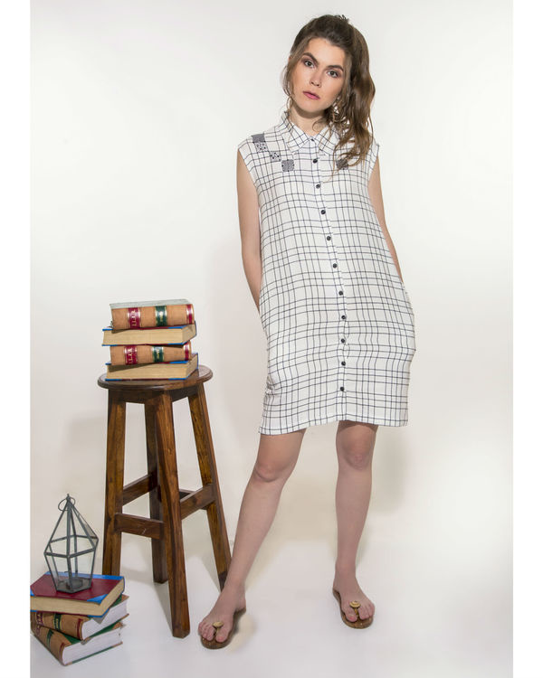 Checkered dress with pockets 3