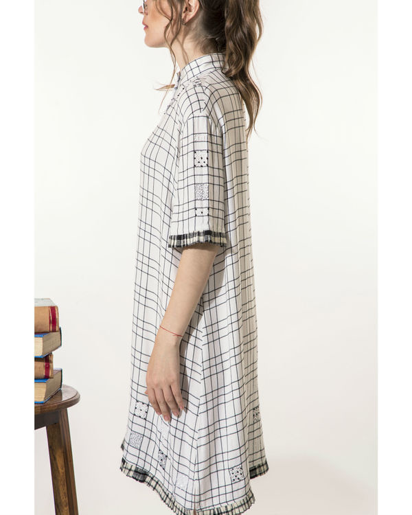 Checkered dress with mini-pleats 1