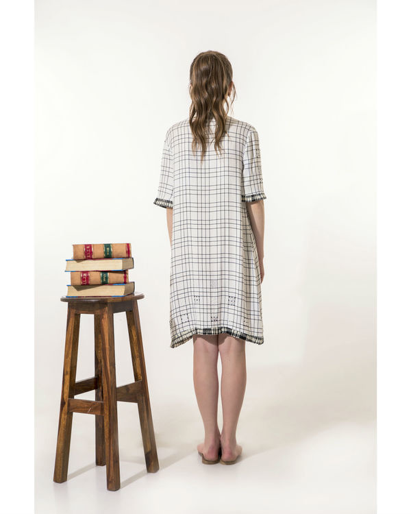 Checkered dress with mini-pleats 2