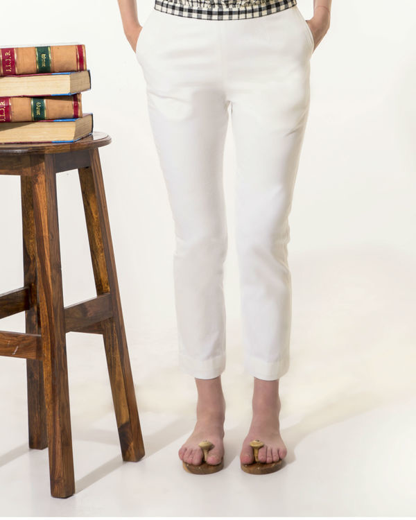 White slim-fit pants 1