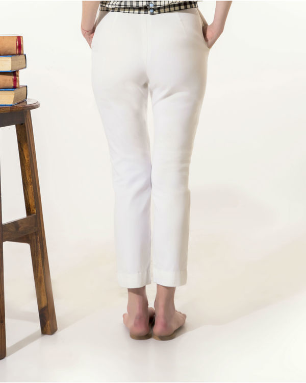White slim-fit pants 2