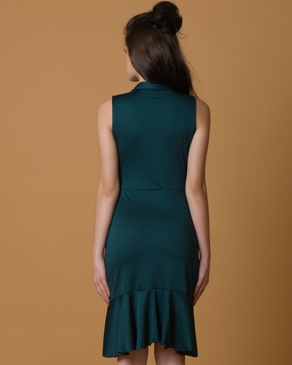 Do-the-swing green dress 1
