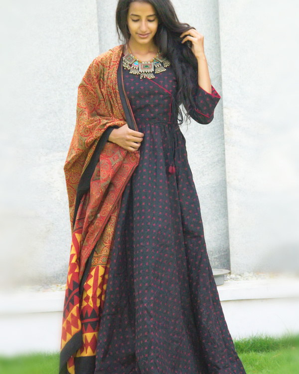 Black angrakha tunic with dupatta 1