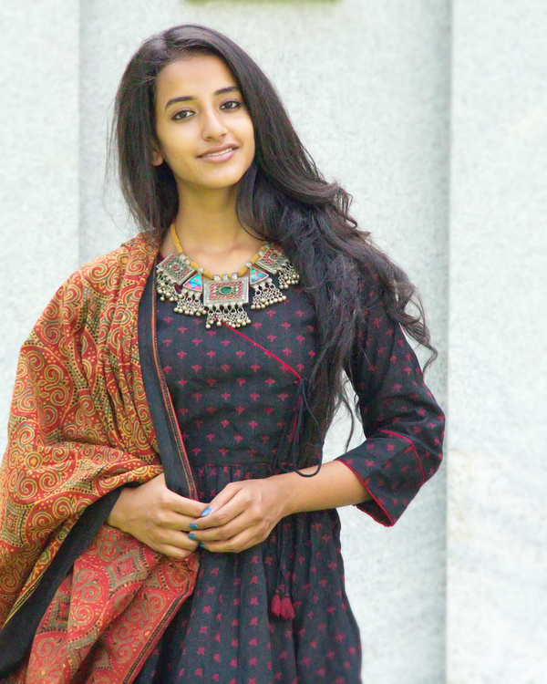 Black angrakha tunic with dupatta 4