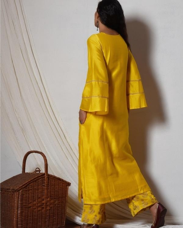 Yellow bell sleeve kurta with gold booti farshi pant 4
