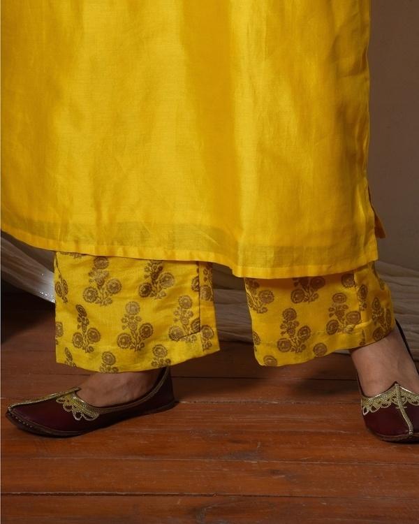 Yellow bell sleeve kurta with gold booti farshi pant 2