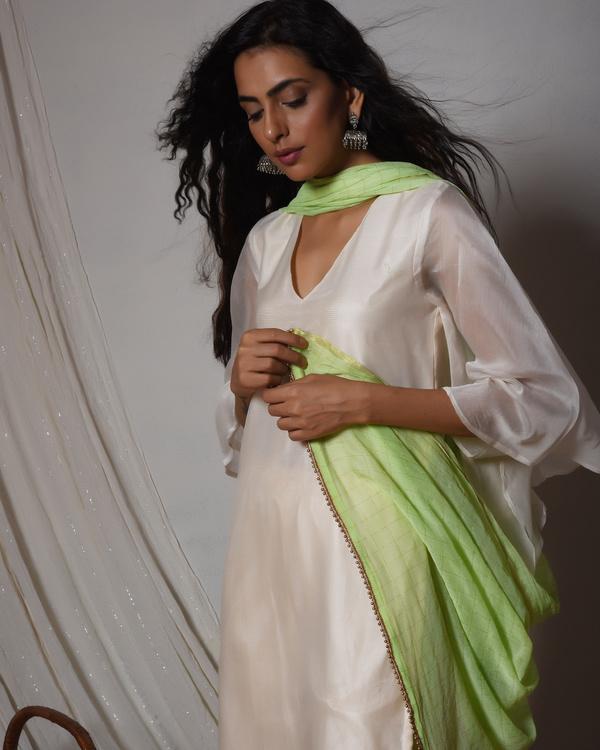 Ivory chanderi bell sleeve kurta with gold gota lace farshi pant & chiffon dupatta 2