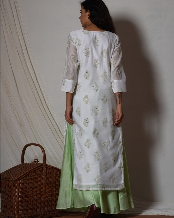 Floral white kurta with mint green chanderi skirt 3