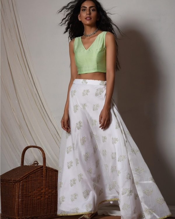 Floral print mint green chanderi lehenga set with net bordered dupatta 1