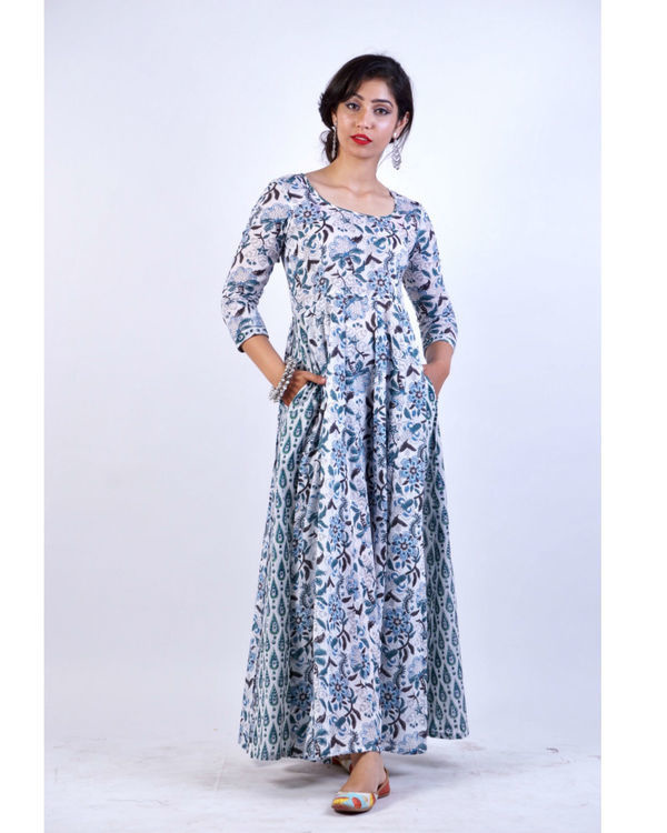 Enchanting blue attached pattern dress 1